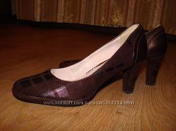 изящные женские туфли 38р