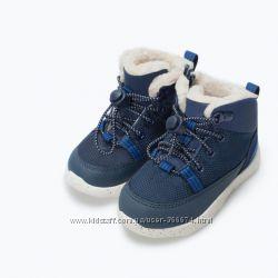 Стильные утепленные кроссовки ZARA мал