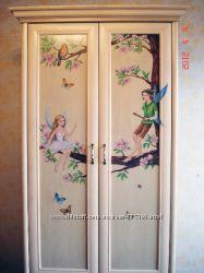Мебель из дерева с росписью