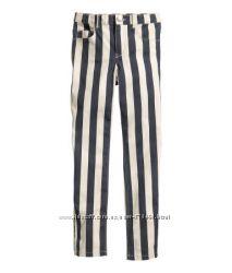 ассортимент брюк НМ на худеньких