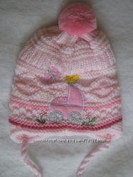 Тепленькая шапочка на малышку