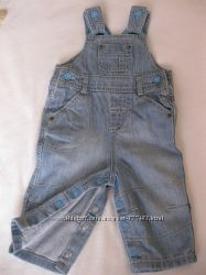 Продам фирменный джинсовый полукомбинезон MARKS&SPENCER 3-6мес