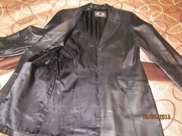 стильный кожаный пиджак-классика. Смотрите
