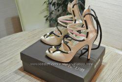Шикарнейшие туфли-босоножки от Fellini р. 38