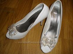 Свадебные туфли нереальной красоты