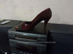 Продам кожаные туфли р. 40