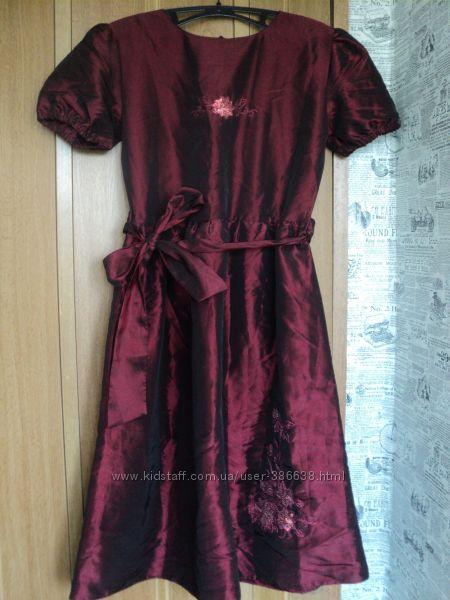Праздничное платье с вышивкой пайетками