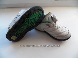 Суперские кроссовки Clarks