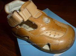 кожаные сандалики Perlina