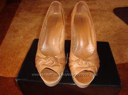 Красивые женские туфли с открытым носком Carlo Pazolini на лето 39 размер