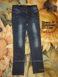 Узкие модные джинсы  26 размера