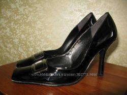 Туфли натуральня лакированная кожа 39р.