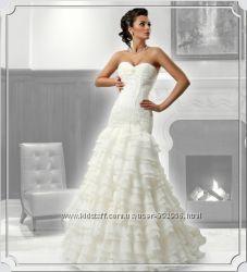 Очаровательное платье, болеро в подарок
