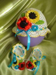 оригинальные пинетки, шапочка, панамка и платье вязаные крючком