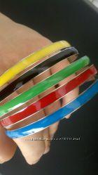 набор маталлических браслетов с эмалью
