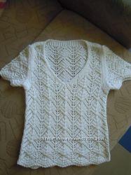 Беленькая вязанная блузочка