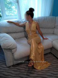 Шикарное вечернее платье.