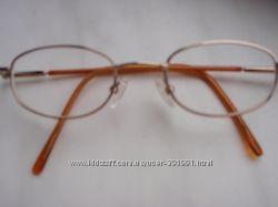 Продам детские очки для дали OD-1, 25 OS-1, 0 сЛюксоптики. Качественные стекла