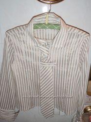 Продам стильную рубашку с галстучком для девочки 5-6лет Wenice 116см