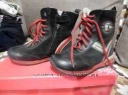 ботинки сапожки moschino 26 размер
