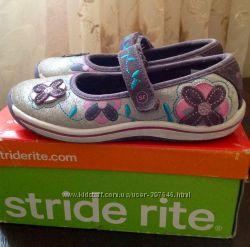 Продам красивенные туфли-мокасины размер 26, 5 .