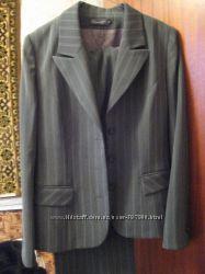 Классический делововй женский костюм