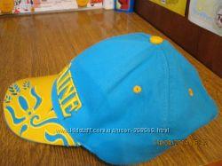 классная кепка с украинским символом