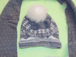 Продам чудесный комплект шапка  шарф фирмы Ferz