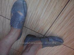 Очень оригинальные серые туфли 25, 5 см.