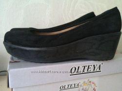 Замшевые туфли в отличном состоянии  39 р.