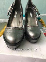 Кожаные туфли Кельвин Кляйн.