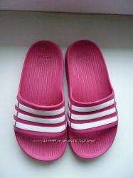 Продам шлепки ADIDAS 30 31 размера и кроссовки REEBOK 31 размера