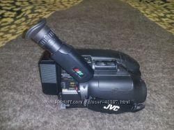 Видеокамера JVC за вашу адекватную цену
