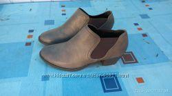 Фирменные новые ботильоны,  ботинки,  челси 38 размер