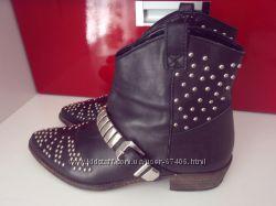 Кожаные фирменные ботинки PullBear