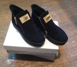 Зимние ботинки из  натуральной замши или  кожи.