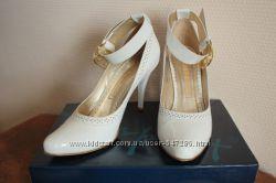 Белые кожаные туфли Respect 37 р