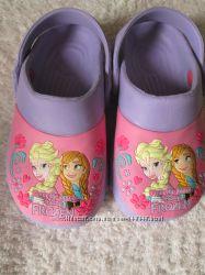 кроксы  NEXT-17 см DISNEY-16, 3 см и другая летняя обувка