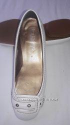туфли женские белые р. 36 стелька 23, 5 без каблука