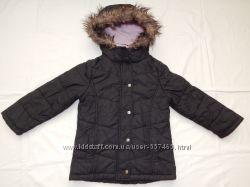 Демисезонная черная куртка Debenhams на девочку 5-6 лет. Рост 116 см.