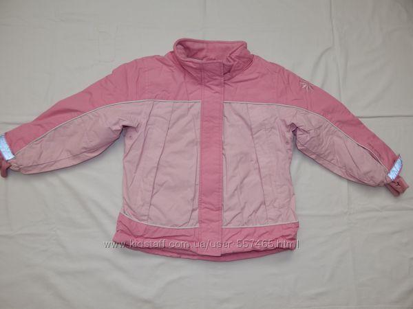 Демисезонная розовая куртка H&M на девочку 5-6 лет. Рост 110-116 см.