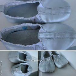 мягкие кожаные серебристые чешки стелька 15 и 16, 5 см