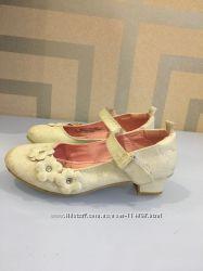 Продам туфли нарядные на утренник размер 29