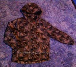 Фирменная водоотталкивающая куртка в идеальном состоянии
