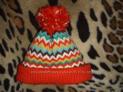 Очень красивая шапочка ручной работы на 4-5 лет