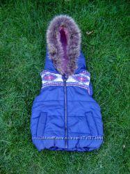 красивая теплая жилетка для девочки