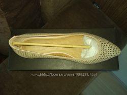 Новые кожаные туфельки  CORSO COMO