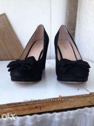 Продам туфлі замшеві 36р.