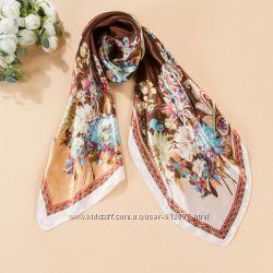 Красивый атласный платок