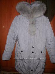 Зимняя серая куртка с нат. мехом р. 46